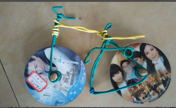 """独特的""""自行车""""则是光碟和电线的合体……想得到就能"""
